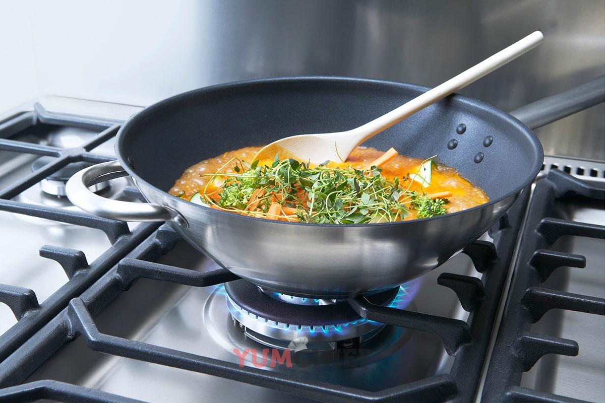 Фотография сковороды wok