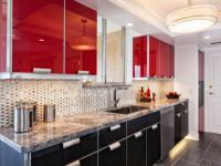 Красно-черные кухни — Современное сочетание цвета в красивом интерьере + 76 фото