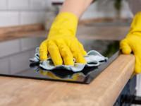Как выполняется очистка и полировка электрической варочной панели?
