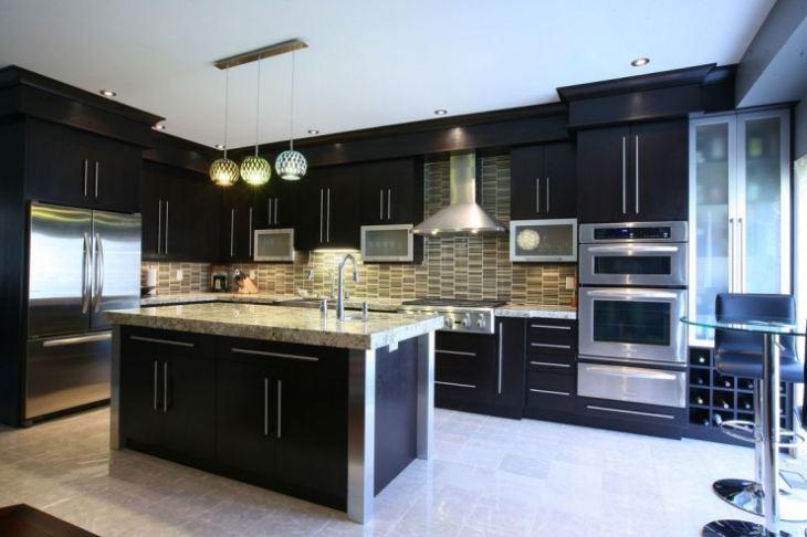 черно бирюзовая кухня фото