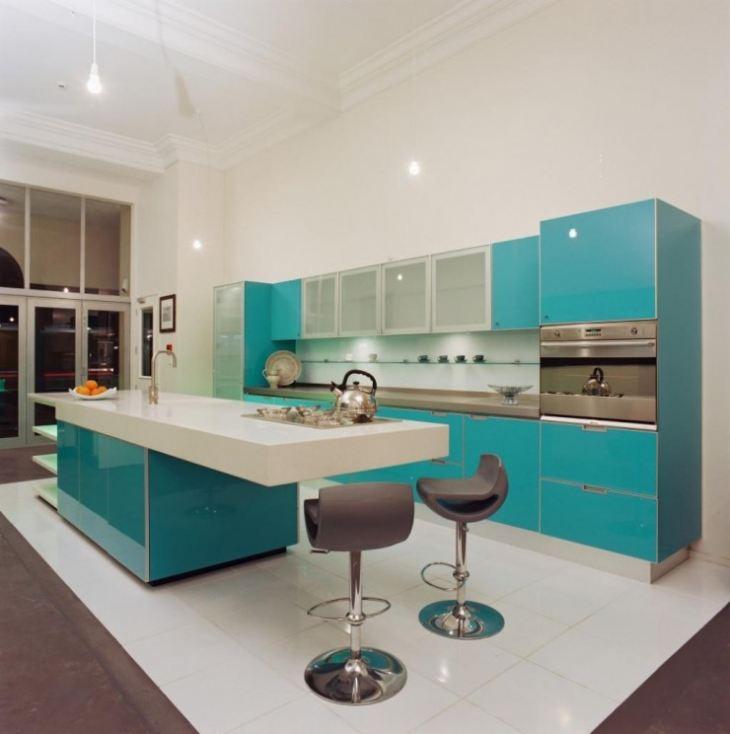 бело бирюзовая кухня