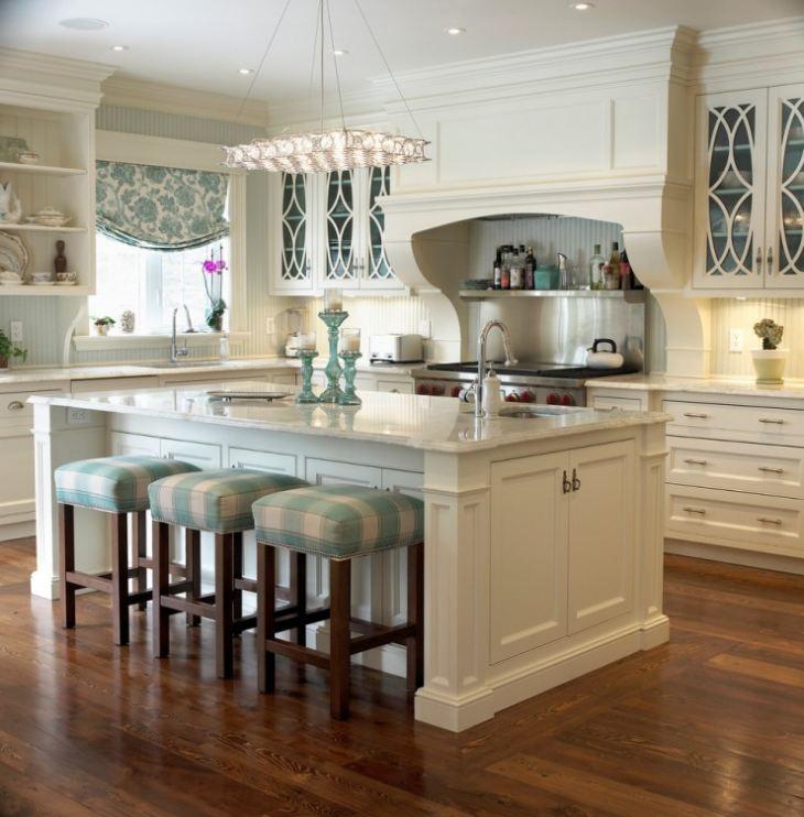Белый фартук из стекла на кухне