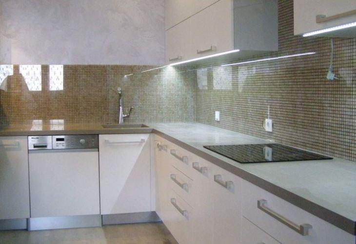 Кухня из стекла фото