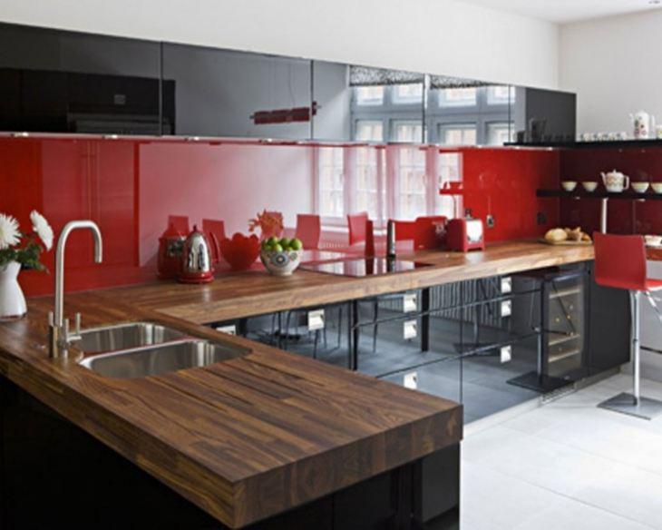 красная кухня в интерьере фото