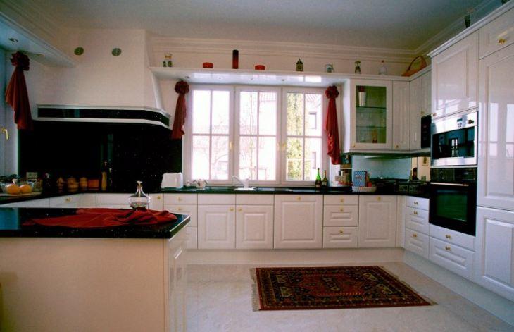 Кухни белые с черным фото