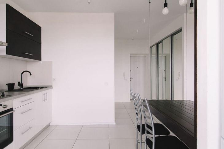 Кухня бело черная фото
