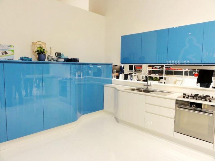 Бело голубая кухня в интерьере фото