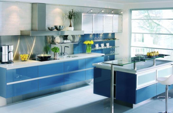 Бело голубая кухня в интерьере