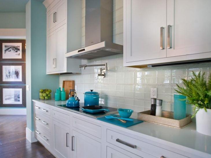 Сочетание голубого в интерьере кухни