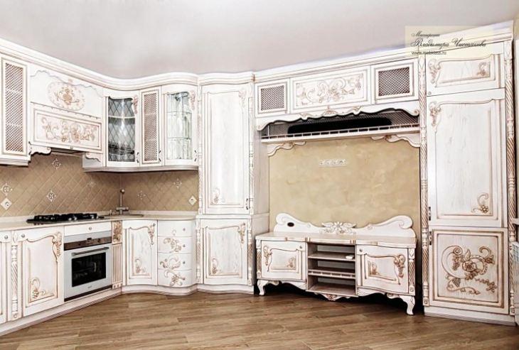 Резная белая кухня