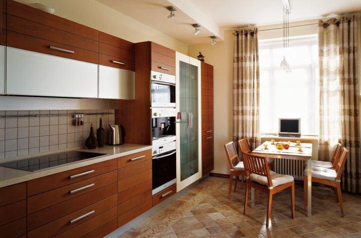 Фото интерьера кухни с плиткой на полу