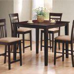 Обеденные столы для малогабаритной кухни