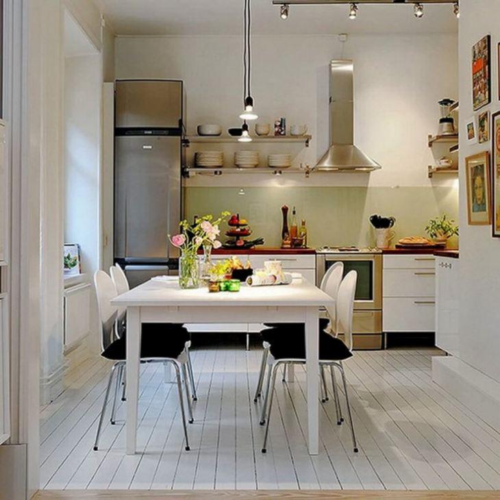 Обеденный стол для маленькой кухни фото