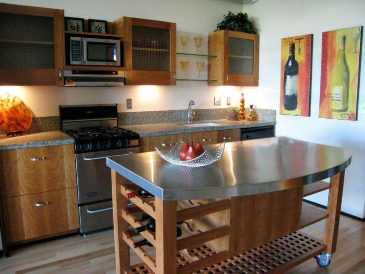 Как разместить стол на маленькой кухне
