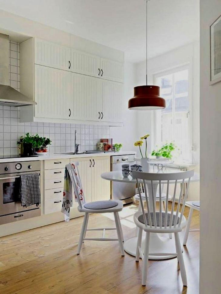 Стол для мини кухни