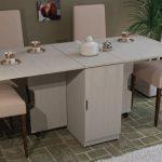 Какой стол купить на маленькую кухню