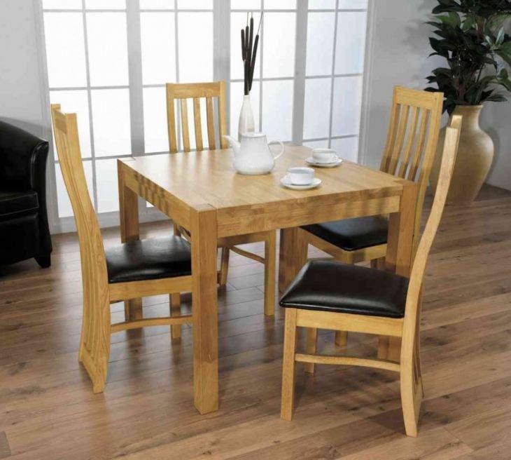 Маленький кухонный стол для маленькой кухни