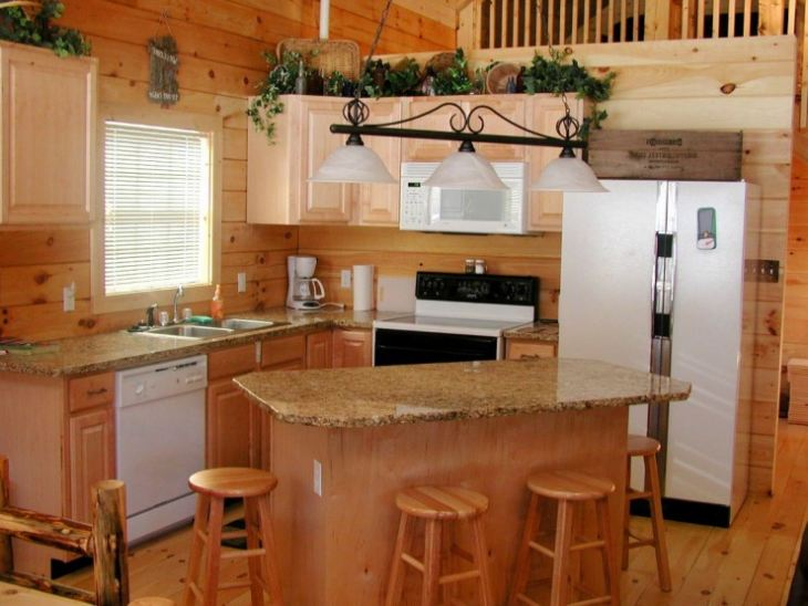 Малогабаритный кухонный стол