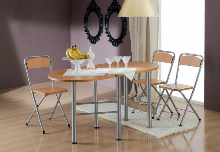 Обеденный стол в небольшую кухню