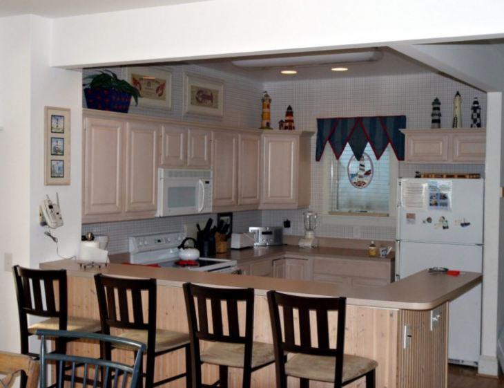 Большой стол на маленькой кухне