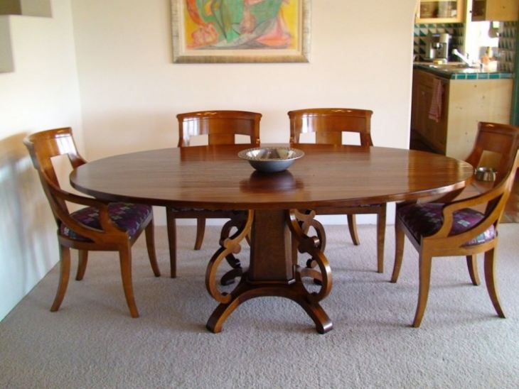 маленький столик