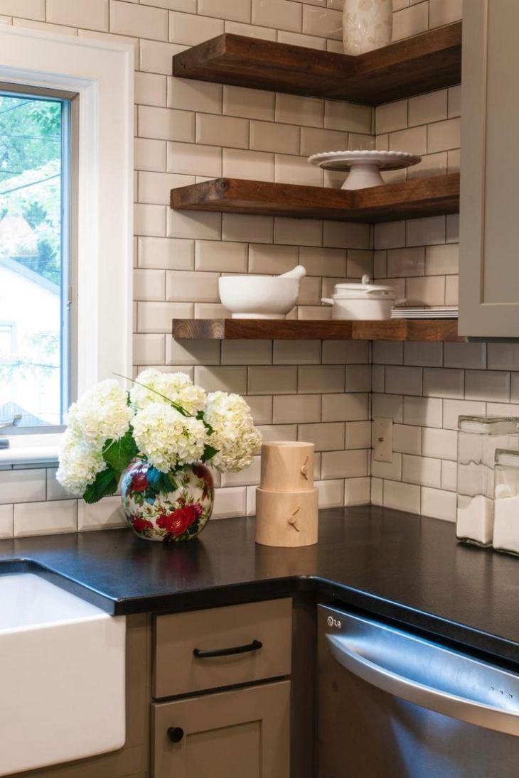 Угловые полочки для кухни фото