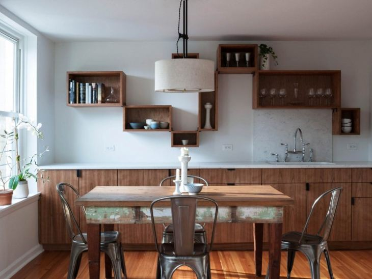 Полка на кухню навесная деревянная