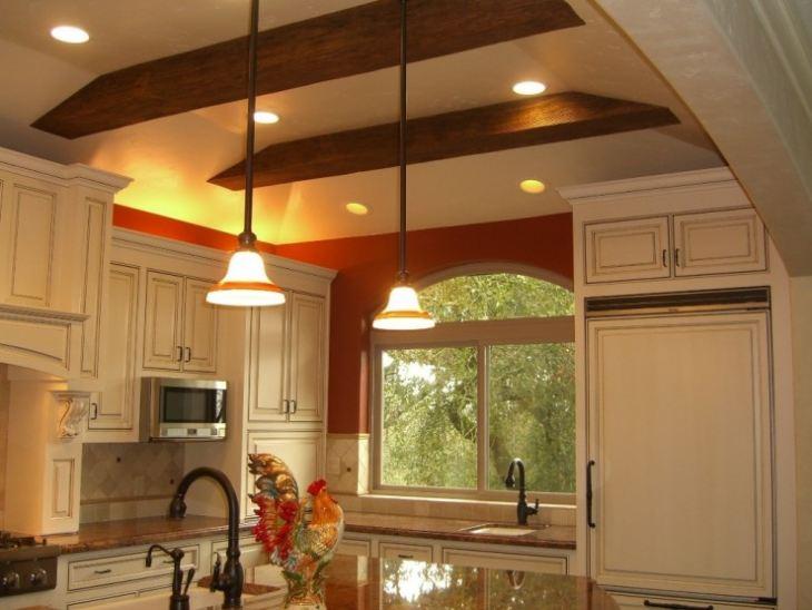 фото натяжных потолков на кухне