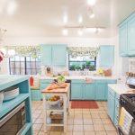 Кухня в сине зеленом цвете