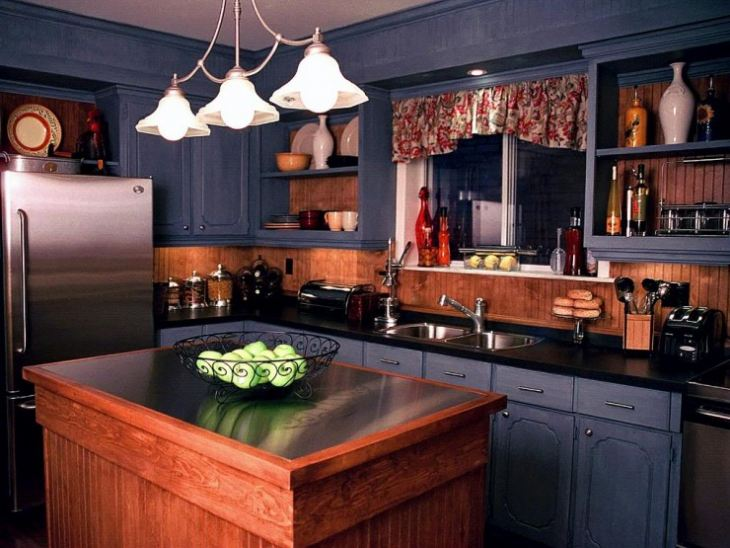 Сочетание синего цвета на кухне