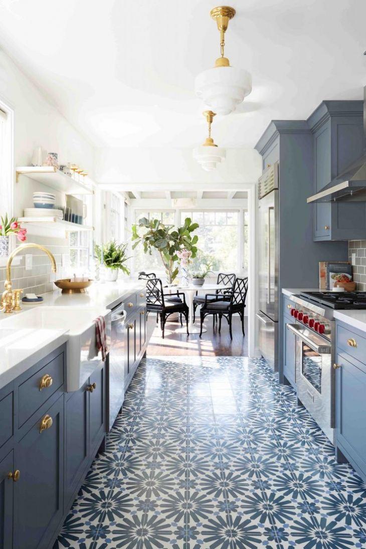 Сине белый кухонный гарнитур