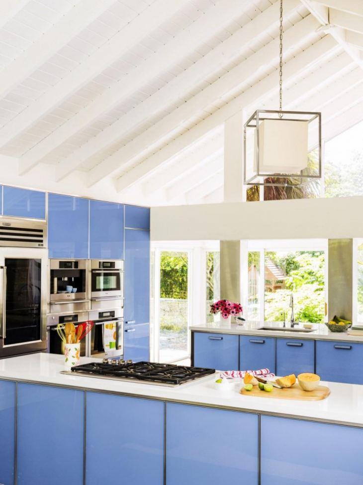 Кухня синяя с бежевым фото