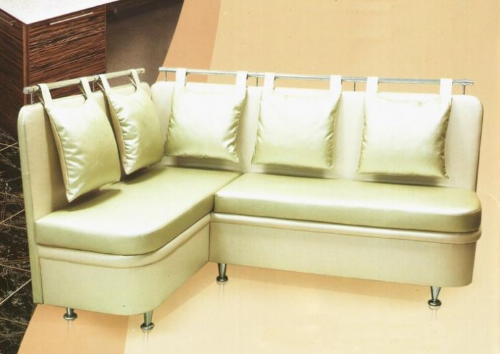 Дизайн кухни с угловым диваном фото