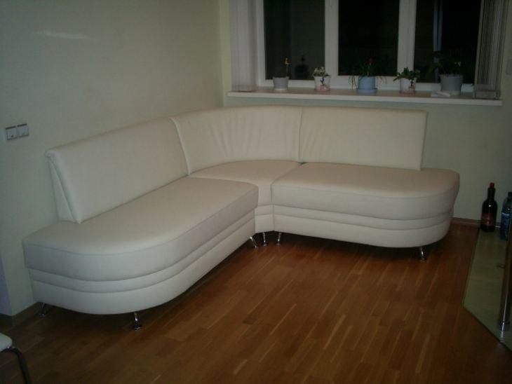 Кухонный угловой диванчик