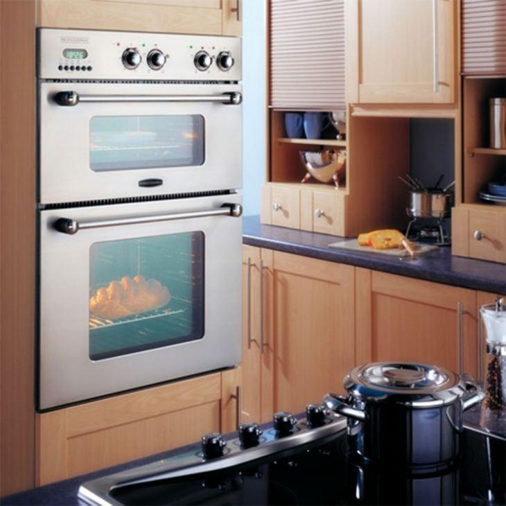 духовой шкаф в кухонном гарнитуре фото
