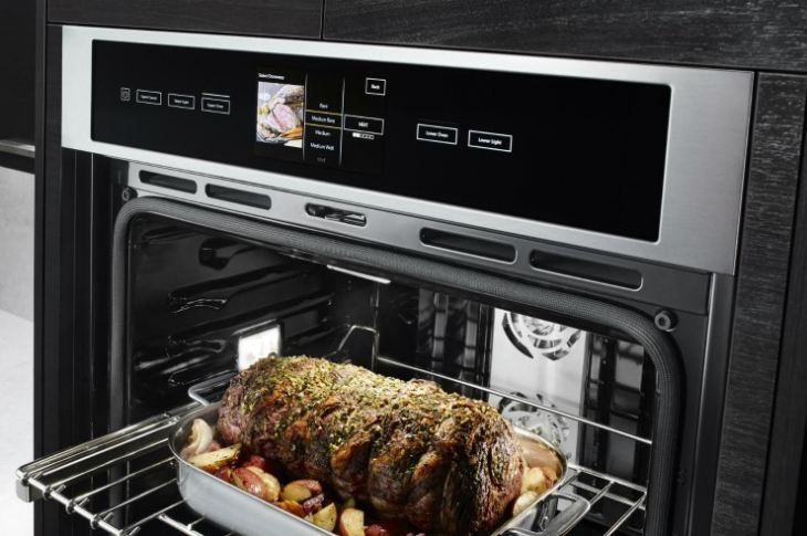 встроенный духовой шкаф электрический на кухне фото