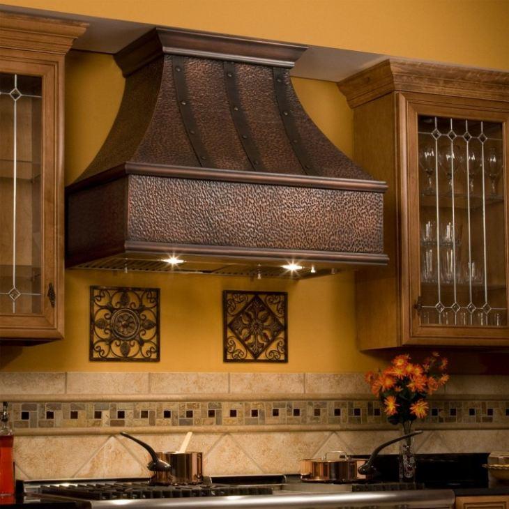 Как спрятать трубу от вытяжки на кухне