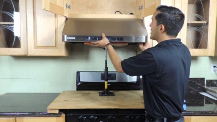 Вытяжка труба для кухни в интерьере