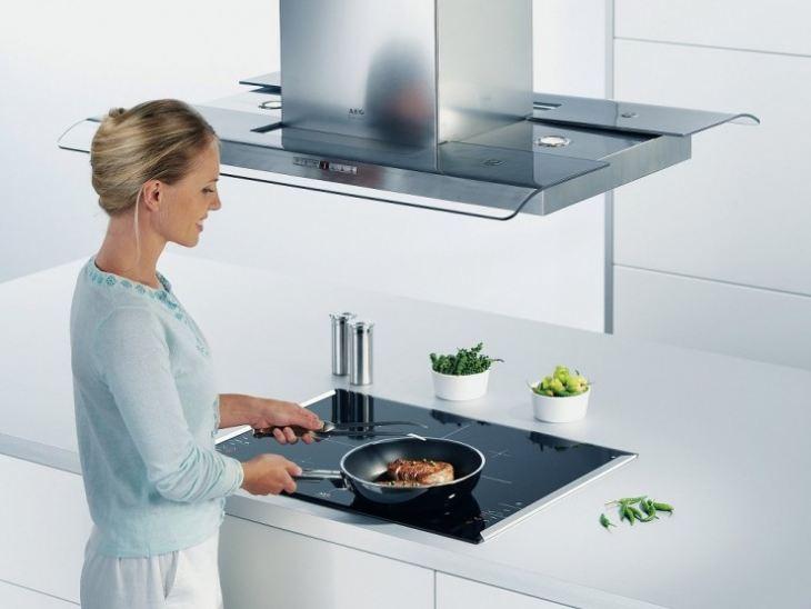 Декор для вытяжки на кухне