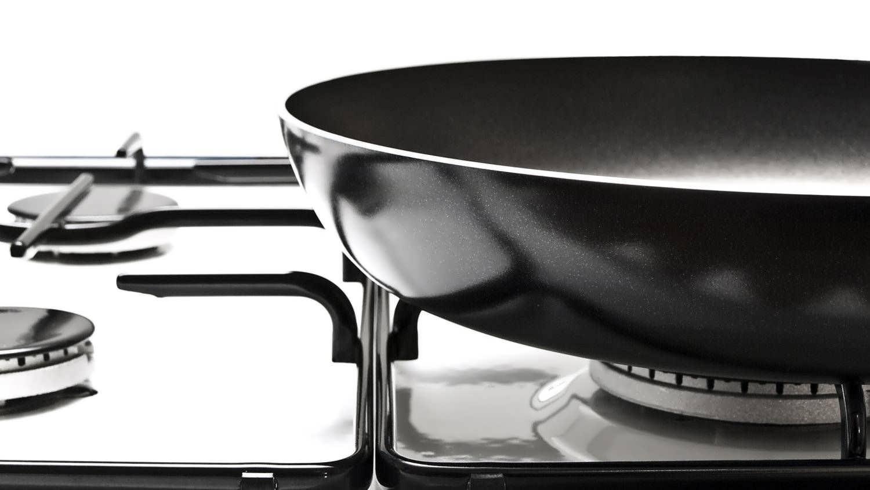 Как почистить сковороду от нагара в домашних