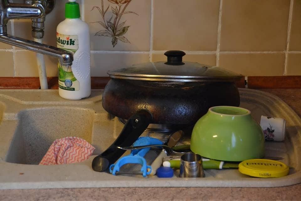 Почистить сковороду от нагара