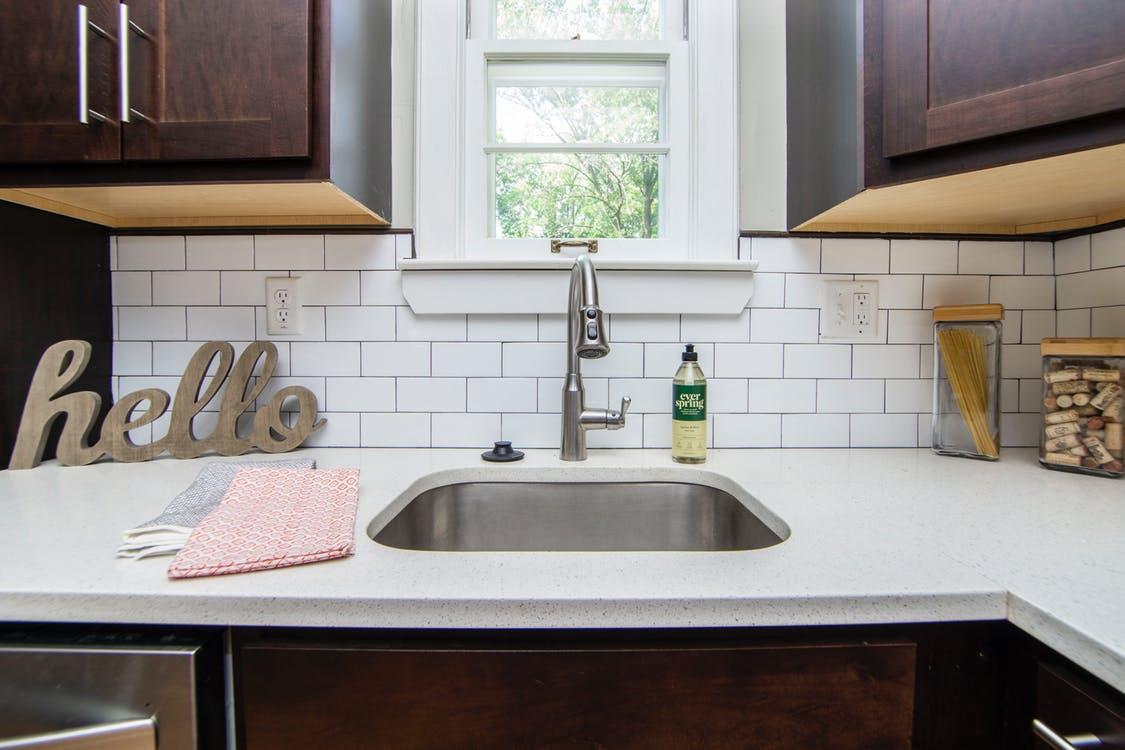 Чем отмыть жир на кухонных шкафах