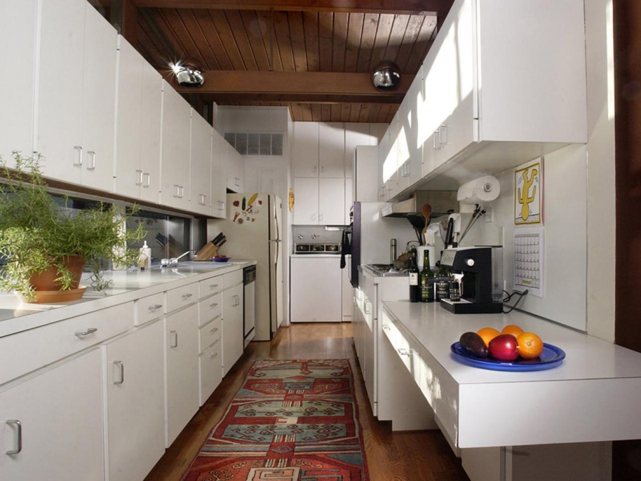 Ламинат на стене в интерьере фото кухня