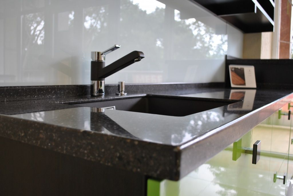 Раковина на кухню из искусственного камня