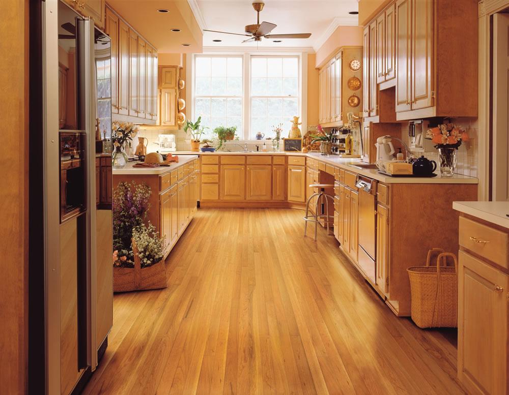 что лучше класть на пол в кухне