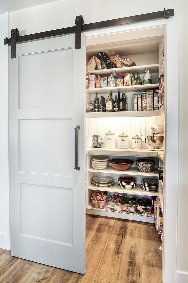 дверь в кухню