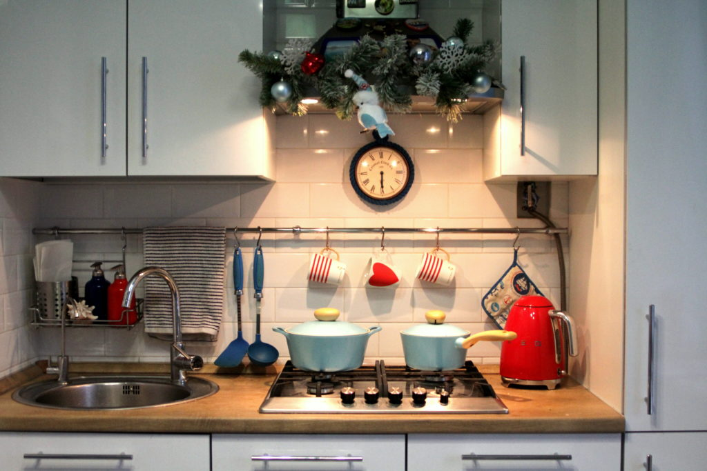 как украсить кухню к новому году