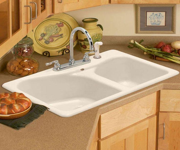 Мойка в углу кухни