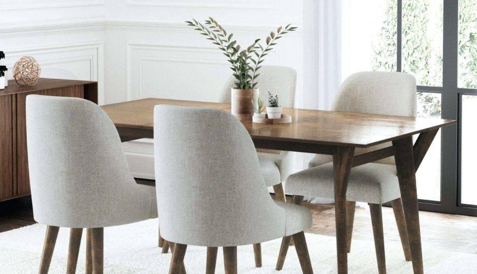 обеденный стол из дерева