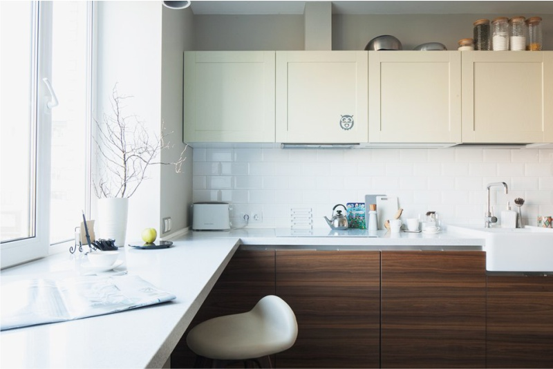 расстановка мебели в прямоугольной кухне